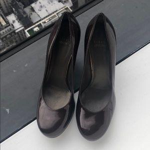 Stuart Weitzman 6 1/2 medium brown patent leather